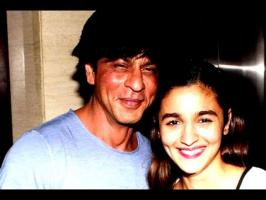 "Alia found Shah Rukh to be an extremely collaborative co-star. As she reveals, ""He has tremendous regard for everyone's work. He doesn't let the fact that he..."