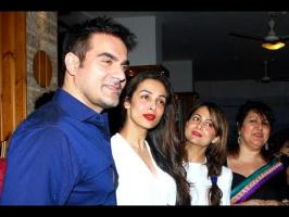 For a while now, there has been buzz that actor-couple Malaika Arora Khan and Arbaaz Khan are planning to end their 17-year-old marriage. However, recent rep...