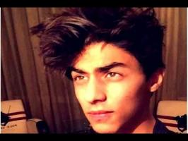 pictures of the teenage Aryan Khan who is a splitting image of his father Shah Rukh Khan, we knew ab movies door nahi. He will soon emerge on the big screens...