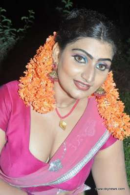 Babilona in Saree Hot Images