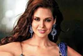 Two-film-old Esha Gupta gives credit to change in society for the changing mindsets of filmmakers and motivating them to adapt new concepts and ideas.