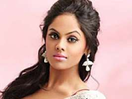 After Kollywood and Tollywood, looks like it\'s destination Mollywood for \'Ko\' girl Karthika Nair. The actress is all set to sign on the dotted lines for three Malayalam movies.