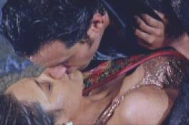Rani Mukerji and Saif Ali Khan\'s love-making scene in \'Hum Tum\'.