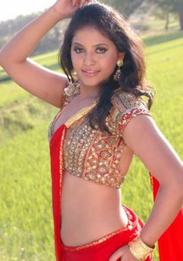 Anjali Hot Navel Show In Red Sleeveless Saree Tags: tamil movie actress Anjali, sexy actress Anjali, Anjali hot in saree, Anjali hot saree stills,