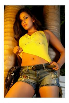 Telugu Movie Actress Sanjana Singh Photo Gallery - Hot Stills