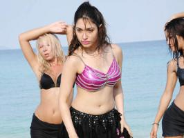 Gorgeous Tamanna Bhatia is in the news for a wrong reason. The actress has been alleged for breaking a Bollywood contract