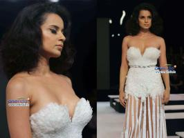 We have spotted Bollywood actresses like Sonakshi Sinha, Esha Gupa, Celina Jaitley, Malaika Arora Khan, Kangna Ranaut at Blender\'s Pride Fashion Tour 2012.