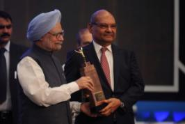 Anil Agarwal, founder chairman of Vedanta Group, one of the world's largest diversified natural resources groups, has been honoured with the coveted Economic Times Business Leader of the Year 2012 Award. The award was presented by the Hon. Prime Minister of India, Dr. Manmohan Singh in Mumbai on 11 November 2012.