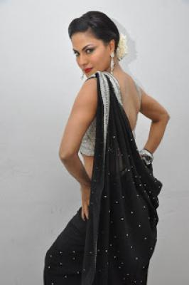 Nagna Satyam Spicy Stills,Veena Malik actress,Heroine Veena Malik,Nagna Satyam Movie Actress