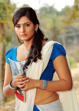 RAGINI DWIVEDI LATEST PHOTOS IN SAREE. Ragini looking very cute and hot in white half saree.