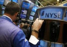 Major stock indexes fell on Friday as concern about stalemate in crucial US budget talks added to worries about slowing economic growth in US.