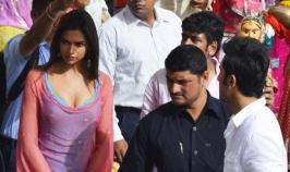 Deepika Padukone, Ranbir Kapoor in Yeh Jawani Hai Deewani