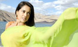 Sameera Reddy Hot Photo Gallery in Saree