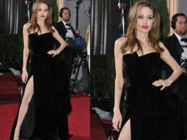 From Oscars to Grammy to the very recent Big Star Entertainment Awards, we have picked up the red carpet dressed of 2012. Celebrities red carpet dresses...