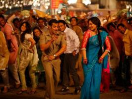 Arbaaz Khan latest Hindi movie Dabangg 2, Salman Khan and Sonakshi Sinha in leads, has got superb opening response at Indian Box Office on first day.