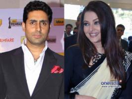 Aishwarya Rai Bachchan hubby Abhishek Bachchan bonded with Salman Khan at Sunny Dewan Christmas party.