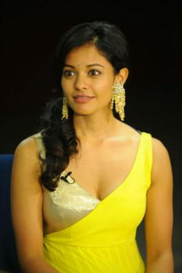 Upcoming tamil movie Viswaroopam Movie Actress Pooja Kumar hot photo gallery