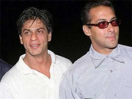 Salman Khan said that there is no groupism and he is not befriending Shahrukh Khan friends.