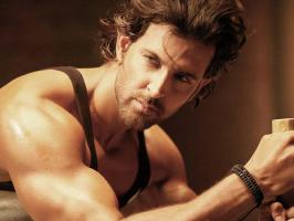 Bollywood hunk Hrithik Roshan has turned 38 today. He celebrated his birthday in a yacht. Read some unknown facts about birthday boy Hrithik Roshan.