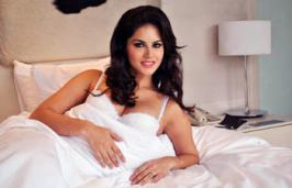 Actor Sunny Leone and filmmaker Ekta Kapoor will visit Siddhivinayak temple in Mumbai and perform aarti before starting shoot for her second film Ragini MMS 2. This will be her first visit to any temple.