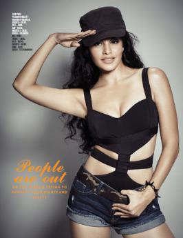Jacqueline Fernandez Latest Hot Scans of FHM India Magazine Jan 2013