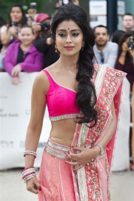 Shriya Latest Hot Photos