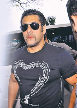 There are two kind of events — those with Salman Khan, and those without. The former kind is usually a success, and always has everyone excited. So, on Saturday, at the opening ceremony of Celebrity Cricket League (CCL) Season III, Salman broke his back (literally) to make sure