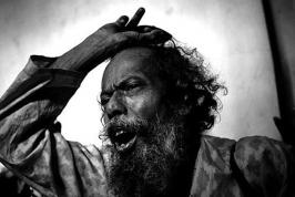 Legendary baul singer Gaur Khyapa, who taught philosophy at Vassar and Brown universities and sang with the likes of Bob Dylan, Bob Marley and Janis Joplin, passed away in a road accident near Shantiniketan in West Bengal.