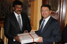 Chiranjeevi Wallpapers,tourism minister meeting with secretary general,central minister