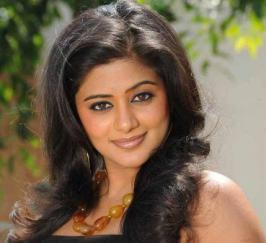 South lead actress Priyamani shake her legs with Bollywood Badshah SRK. She bags special Item song.Priyamani\'s Item Song In SRK Film.