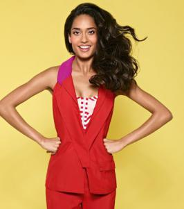 Lisa Haydon Hot Photoshoot For Marie Claire India Feb 2013 Magazine