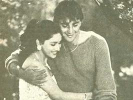 Madhuri Dixit and Sanjay Dutt were once he hottest couple in tinselville. See rare and unseen pictures of Madhuri Dixit and Sanjay Dutt.