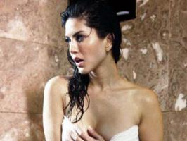 Sunny Leone to do lesbian act in Ragini MMS 2 with Sandhya Mridul.