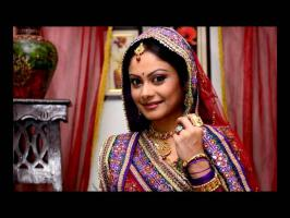 Toral Rasputra will be the new Anandi Bahu in Balika Vadhu. She will replace Pratyusha Banerjee. See pictures of Toral.
