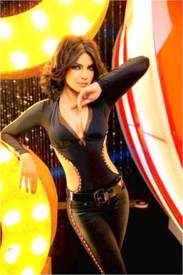 Checkout Badmaash Babli Priyanka Chopra\'s EXCLUSIVE look in Shootout at Wadala.