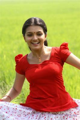 Saranya Mohan Cute Photos
