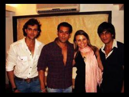 Salman Khan, who posses the fittest body is famous for his humble nature. Here are some rare and unseen pictures of Salman Khan with Bollywood actors.