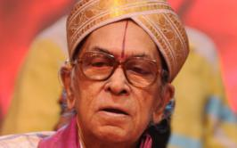 Veteran playback singer PB Srinivas died on Sunday.He was 82.He was not keeping well for the last few days. He had difficulty in breathing. He passed away at his residence in Saidapet.For more updates of tollywood news,latest news,latest gossips of tollywood and more at movies.infoonlinepages.com