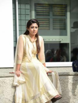 View Nayanthara Stills,Nayanthara Latest Pictures,Telugu Nayanthara Image Gallery,Telugu  Nayanthara Photos