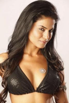 Veena Malik Latest Hot Photoshoot Stills