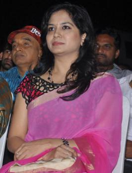 View Singer Sunitha Stills,Singer Sunitha Latest Pictures,Telugu Singer Sunitha Image Gallery,Telugu  Singer Sunitha Photos