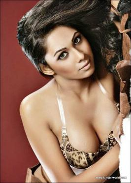 Pooja Bose Hot and Spicy Photoshoot