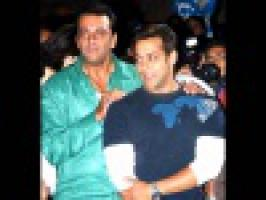 Salman Khan\'s father Salim Khan said that his son Salman won\'t get married to girlfriend  Romanian TV actress Lulia Vantur.
