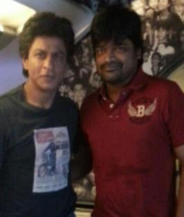 "Harish Shankar, who has been making ""Ramayya Vasthavayya"" with Tollywood \'Baadshah\' NTR, has met Bollywood baadshah ""Sharukh Khan"". Guess, who made this happen! It\'s none other than"