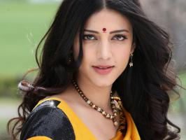 Shruti Hassan Takes Rest From Movies, Actress Shruti Admitted in Hospital, Shruti Slips in Swimming Pool