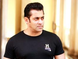 After the rumors about actress Sana Khan's  involvement in a kidnapping case and her subsequent disappearance spread, Salman Khan tweeted in