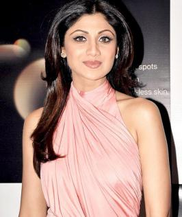 Bollywood star Shilpa Shetty celebrates her birthday today. Born on 8 June 1975, she made her debut in the movie Baazigar 1993 and read more in movies.infoonlinepages.com
