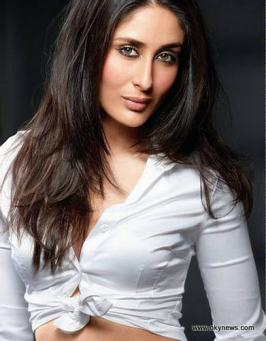 Kareena Kapoor Navel Photos Stills