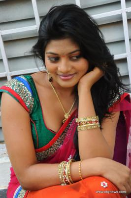 Soumya in Saree Photo Gallery