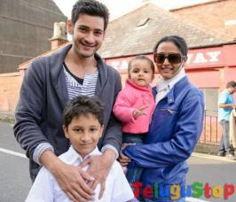 Prince mahesh babu is the one hero, who spends good time with the members of his family apart from his profession. As he is currently participating the shoot